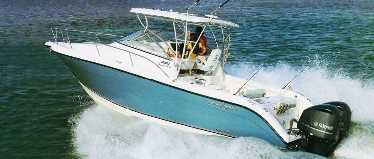 Установленные на Offshore катер пара лодочных моторов Yamaha F 350